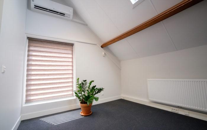 Schilderwerk - stoffering - raamdecoratie kantoorpand